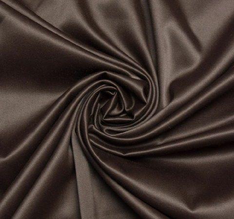 Sarja acetinada: qual a diferença desse tecido?