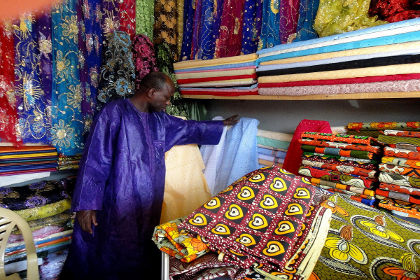 Tecidos baratos para roupas